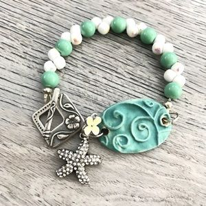Jewelry - Handmade starfish and flower bracelet